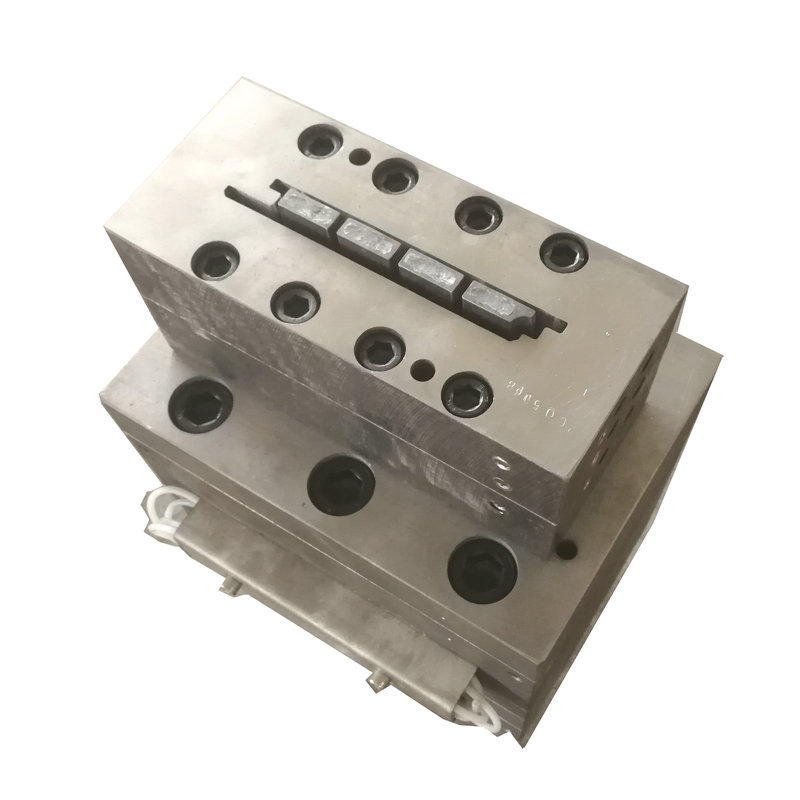 extrusion mould for decking