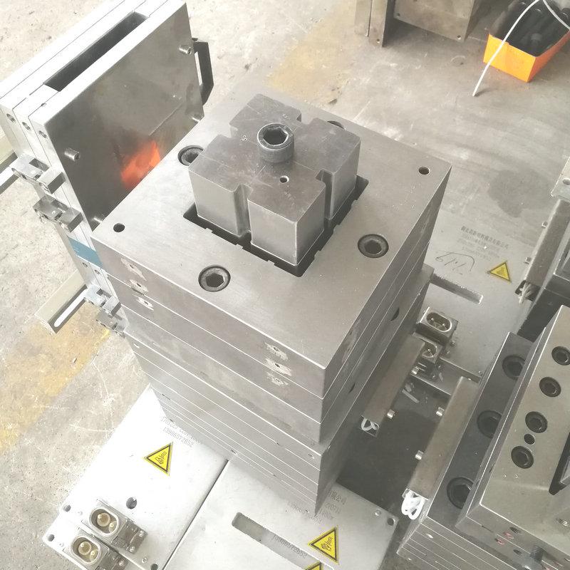 new design plastic extrusion tool